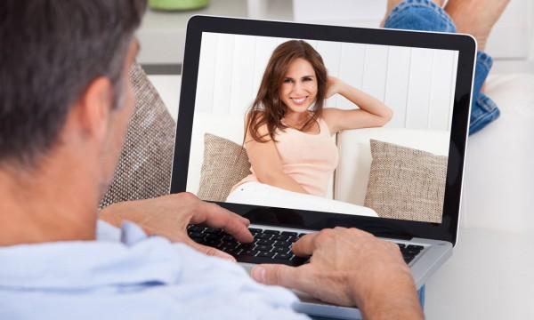 Pas d'amour, amour en ligne