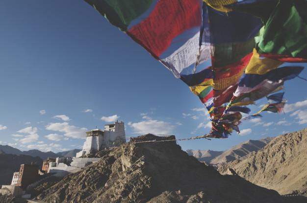 Le ciel du Tibet, dangereux pour les avions qui le survolent