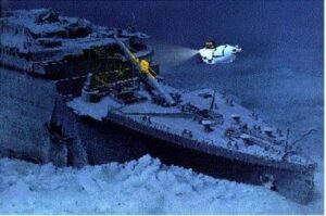 Le titanic au fond de l'océan